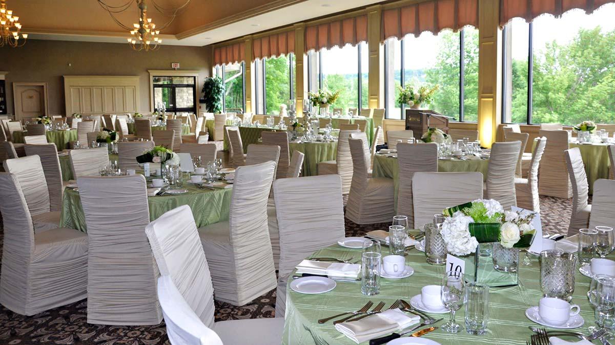 Weddings at Crosswinds Golf in Burlington