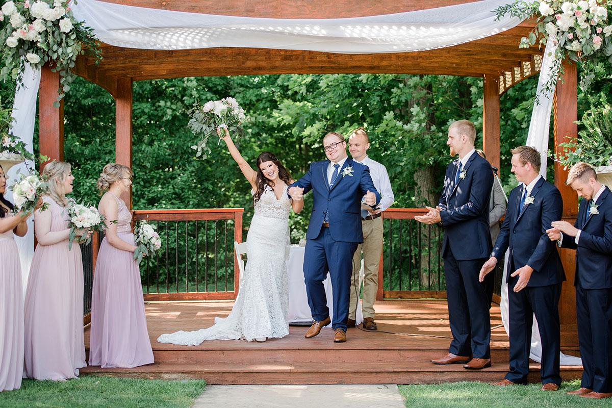 Crosswinds Wedding Ceremony Couple
