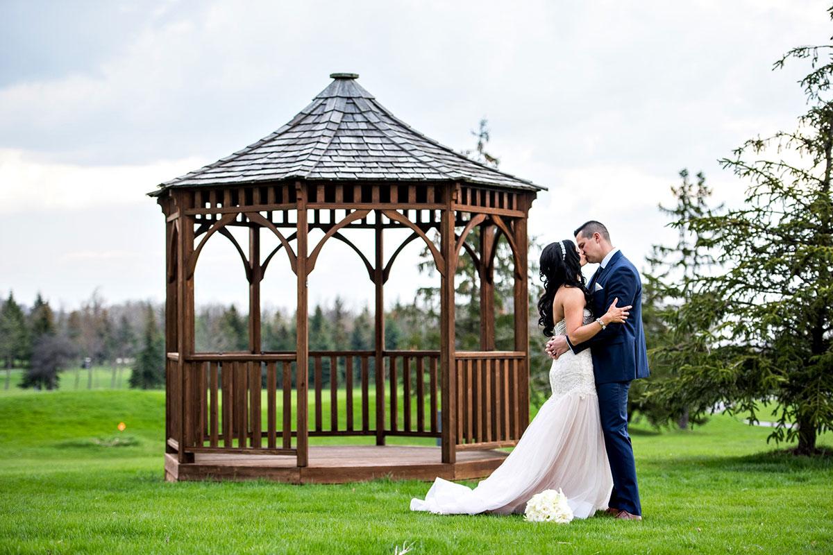 Wedding couple and gazebo at Crosswinds Burlington